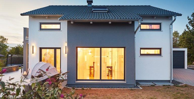 Kundenhaus Satteldach Landhaus 143